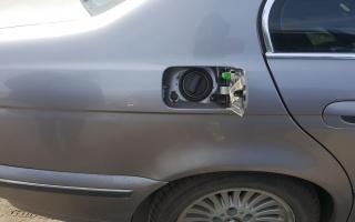 BMW523I-3